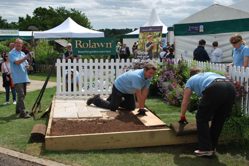Great Yorkshire Show garden build skills demo